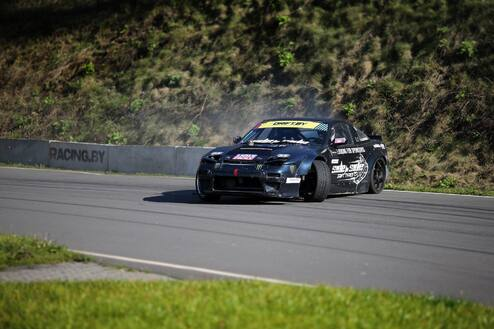 "Driftink su ""SIDE to SIDE Drift Team"" profesionalu trasoje"